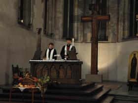 04 - Večerní bohoslužby v říjnu 2011